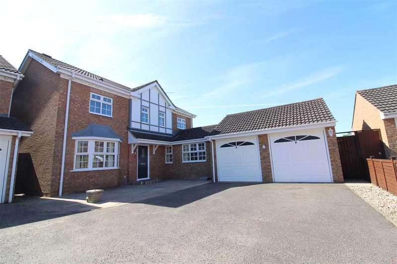4 Bedrooms Detached House for sale in Laburnum Close, Ipswich