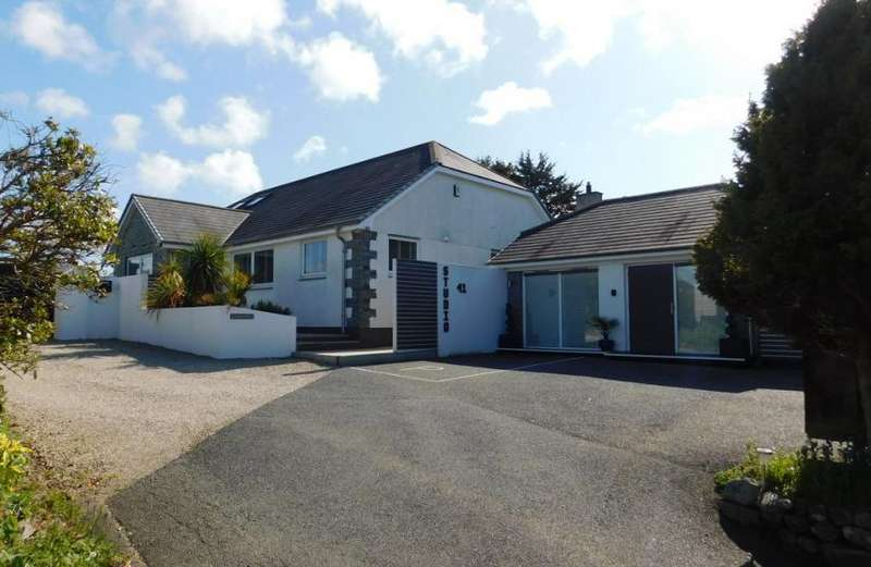 5 Bedrooms Property for sale in Heather Lane