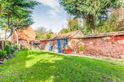 3 Bedrooms End Of Terrace House for sale in Crediton, Devon