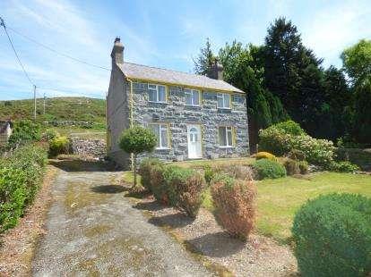 3 Bedrooms Detached House for sale in Deiniolen, Bangor, Gwynedd, LL55
