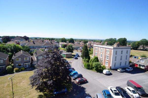 1 Bedroom Apartment Flat for sale in Deanna Court, Cleeve Lodge Road, Downend, Bristol, BS16 6AU