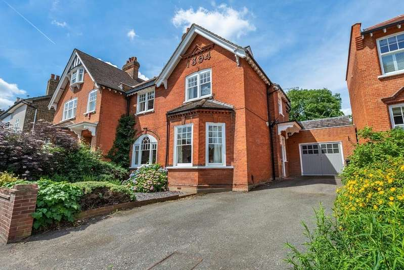 5 Bedrooms Semi Detached House for sale in Kings Avenue, Buckhurst Hill