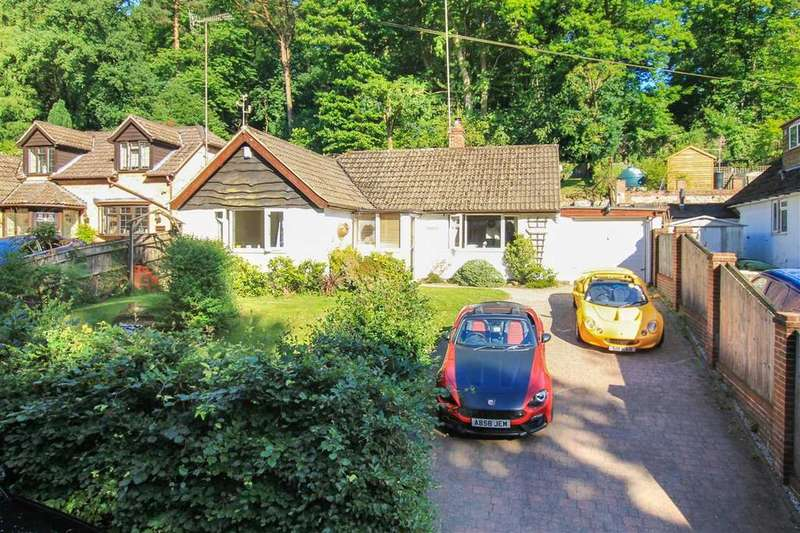3 Bedrooms Bungalow for sale in Bankside, Beech Hill, Headley Down