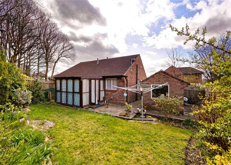 2 Bedrooms Semi Detached Bungalow for sale in Vesper Court Drive, Leeds, West Yorkshire, LS5