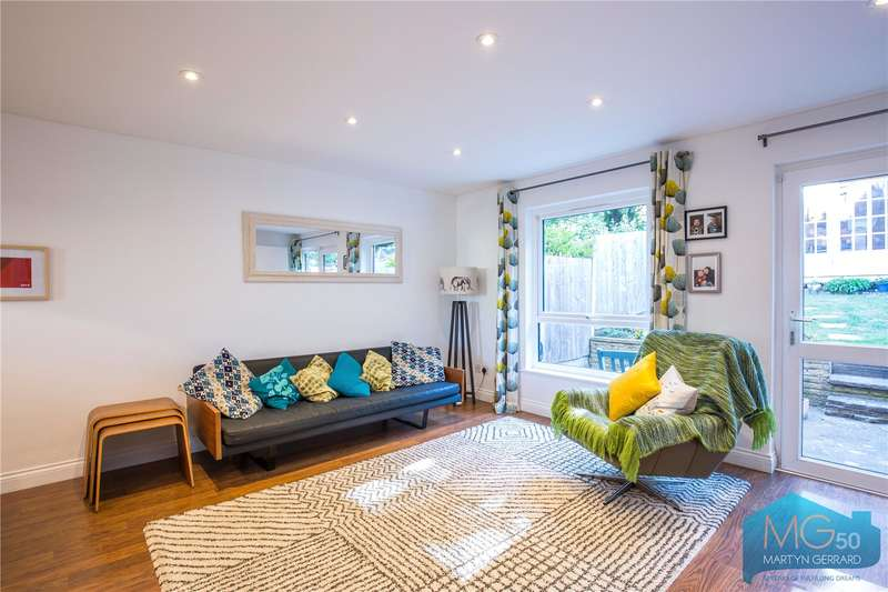 3 Bedrooms Terraced House for sale in Springfield Close, Woodside Park, London, N12