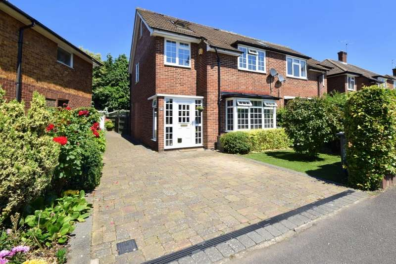 4 Bedrooms Semi Detached House for sale in Walpole Road, Old Windsor, SL4