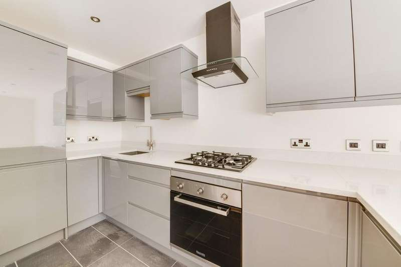 3 Bedrooms Town House for sale in Woodlands, Staveley Road, Poolsbrook