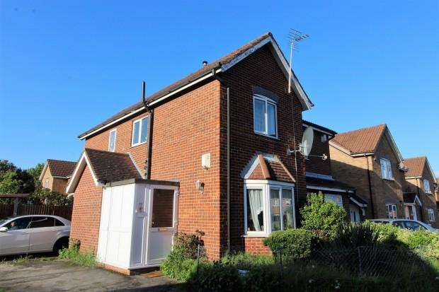 3 Bedrooms Semi Detached House for sale in Teresa Gardens, Waltham Cross, EN8