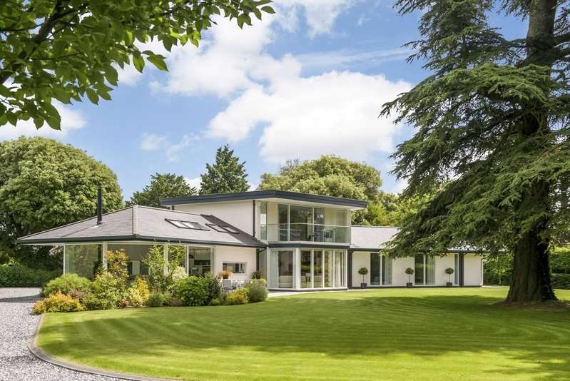 5 Bedrooms Detached House for sale in Alveston Leys Park, Alveston, Stratford-Upon-Avon