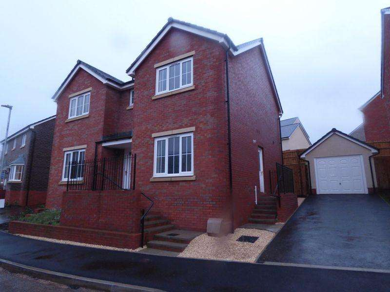 4 Bedrooms Detached House for sale in mametz Grove, Abergavenny