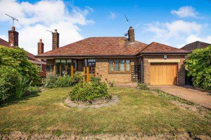 4 Bedrooms Bungalow for sale in Broadway, Fleetwood, FY7