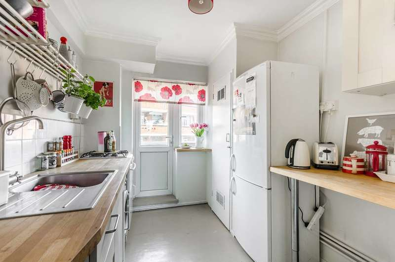 1 Bedroom Flat for sale in Basingdon Way, Denmark Hill, SE5