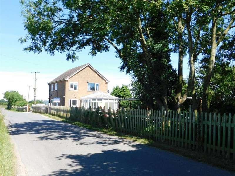 3 Bedrooms Detached House for sale in Burgh Lane, Bratoft, Skegness, PE24 5AR