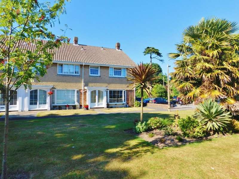 4 Bedrooms End Of Terrace House for sale in Lodge Gardens, Gosport
