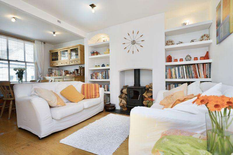 3 Bedrooms Detached House for sale in High Street, Buckden