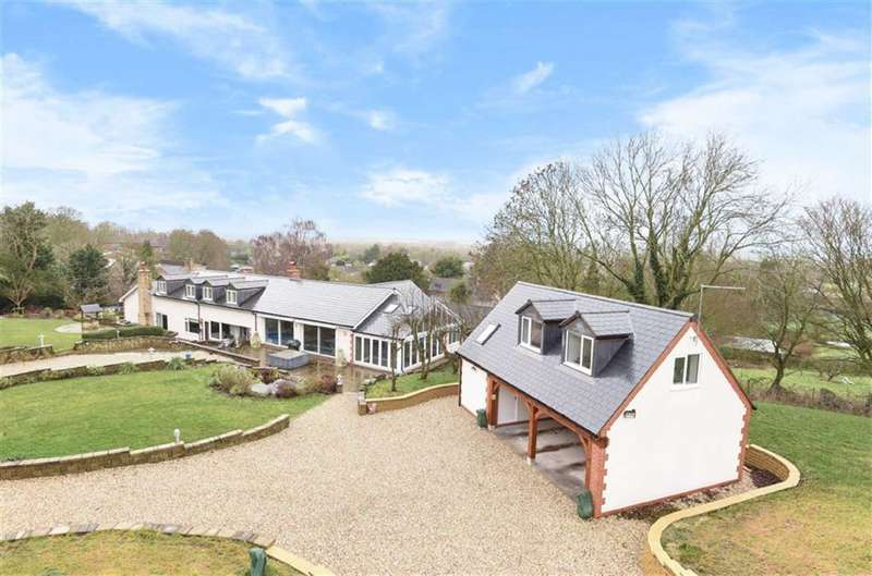 4 Bedrooms Detached House for sale in Wanborough, Wiltshire
