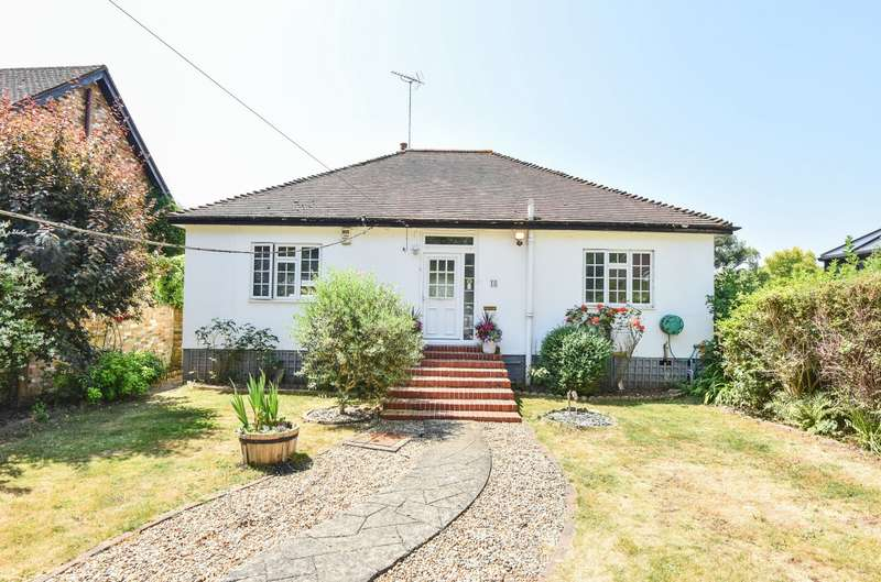 3 Bedrooms Detached Bungalow for sale in Hythe End Road, Wraysbury, TW19