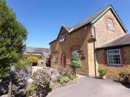 3 Bedrooms Detached House for sale in South Petherton, Somerset