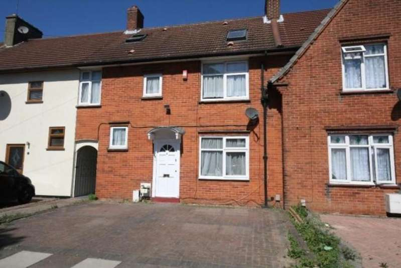 4 Bedrooms Terraced House for sale in Heynes Road RM8
