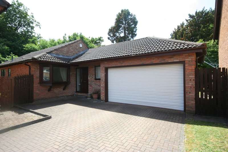 3 Bedrooms Detached Bungalow for sale in Roecliffe Grove, Stockton-On-Tees, TS19