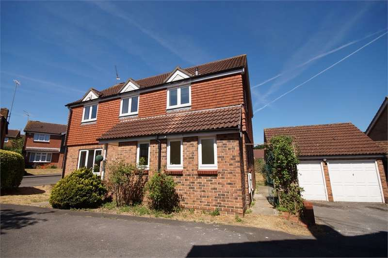 4 Bedrooms Detached House for sale in Egremont Drive, Lower Earley, READING, Berkshire