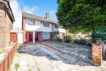 3 Bedrooms Semi Detached House for sale in Barking