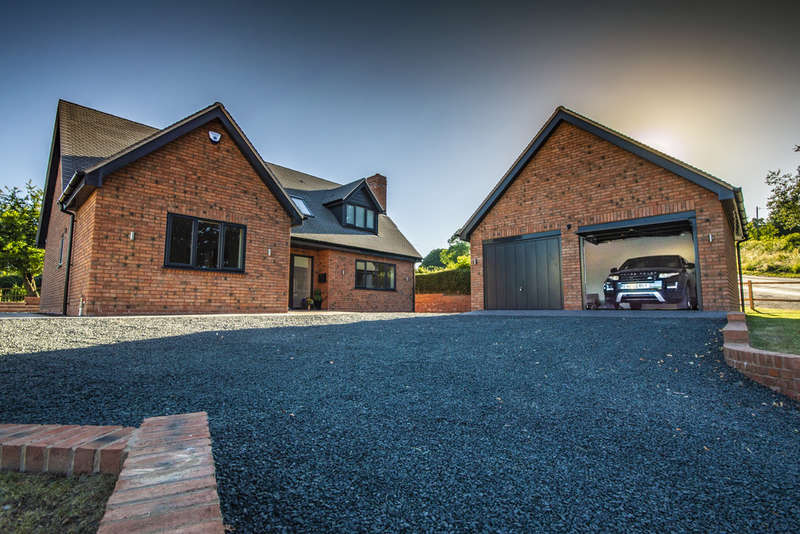 4 Bedrooms Detached House for sale in Hopton Wafers, Kidderminster