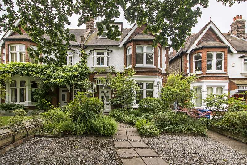 6 Bedrooms Semi Detached House for sale in Court Lane Gardens, London, SE21
