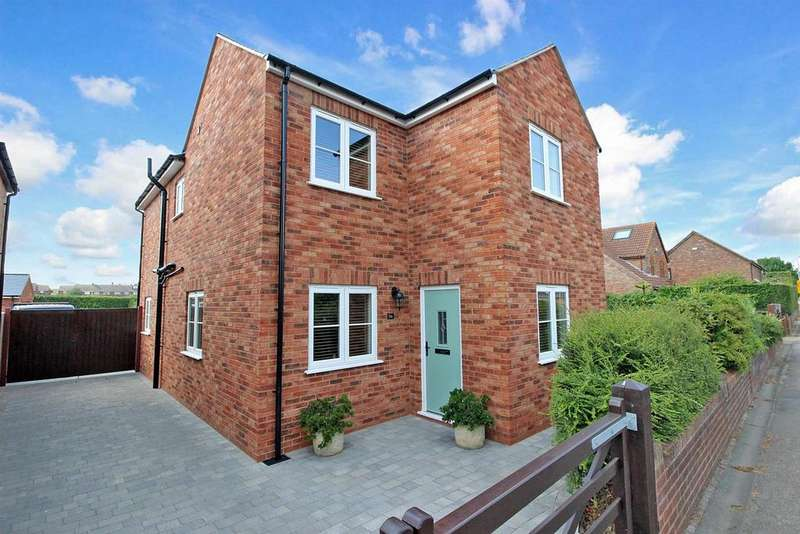 3 Bedrooms Detached House for sale in Bedford Road, Wootton,