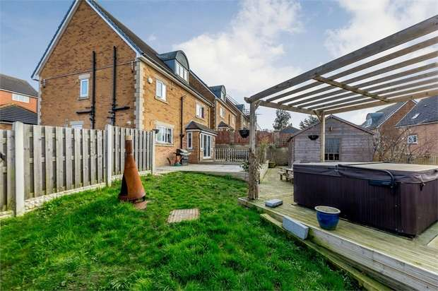 5 Bedrooms Detached House for sale in Upper Hoyland Road, Hoyland, Barnsley, South Yorkshire
