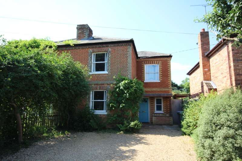 3 Bedrooms Semi Detached House for sale in Hungerford Lane, Shurlock Row, Reading, RG10