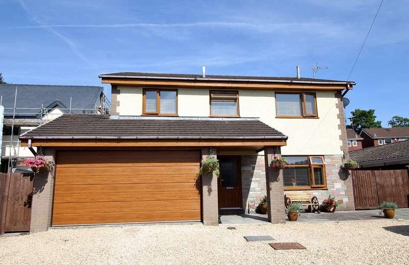 4 Bedrooms Detached House for sale in Castle Street, Fleur de Lis, Blackwood, NP12