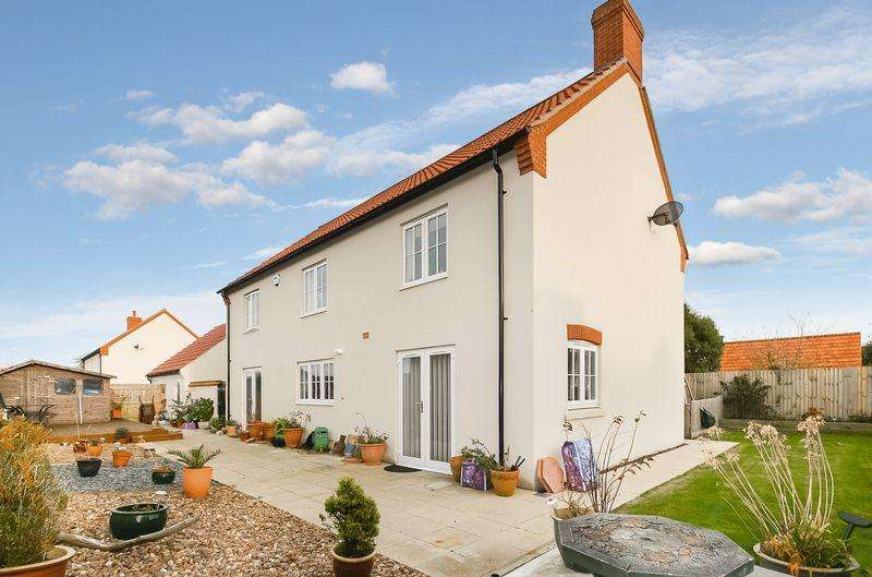 4 Bedrooms Detached House for sale in Galesworthy Drive, Chickerell