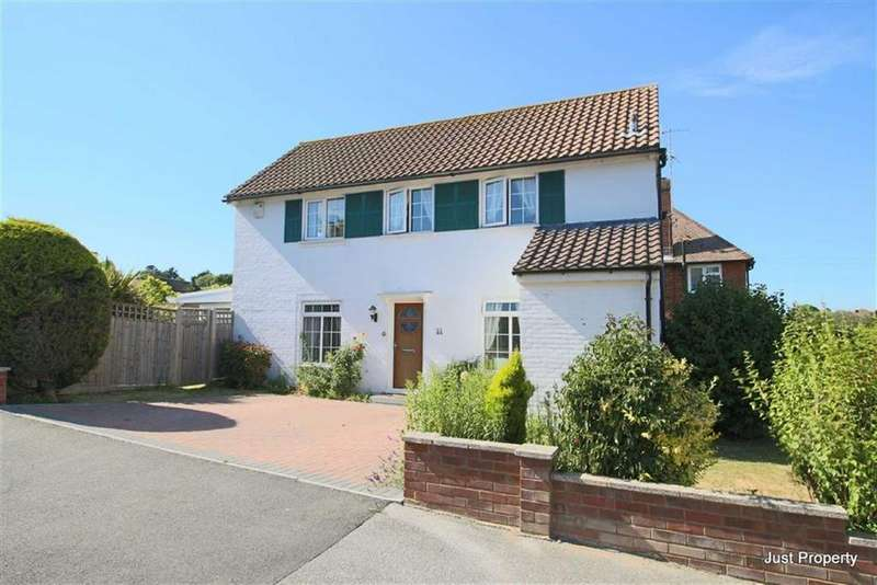 3 Bedrooms Detached House for sale in Friston Avenue, Eastbourne