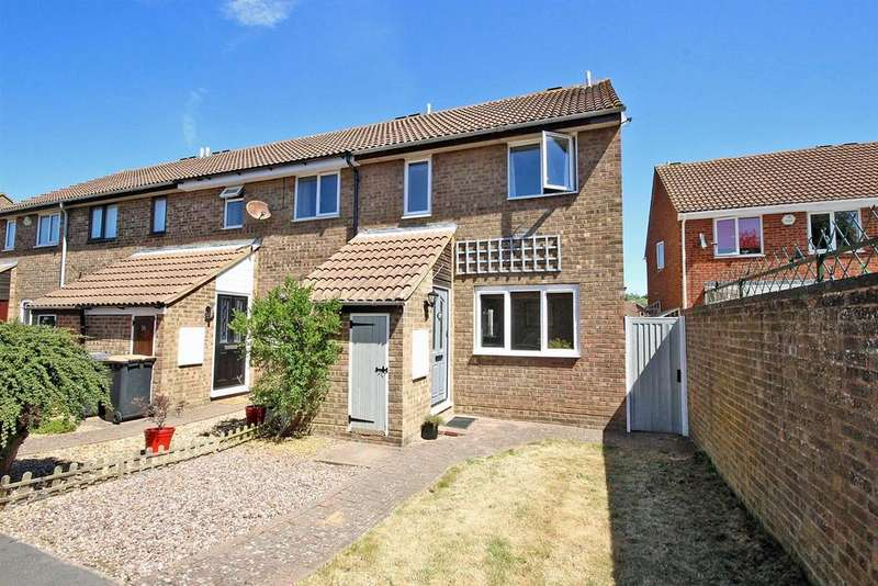 3 Bedrooms Semi Detached House for sale in Washburn Close, Brickhill, Bedford