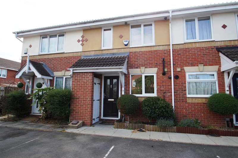 2 Bedrooms Terraced House for sale in Hunters Way, Cippenham, Slough