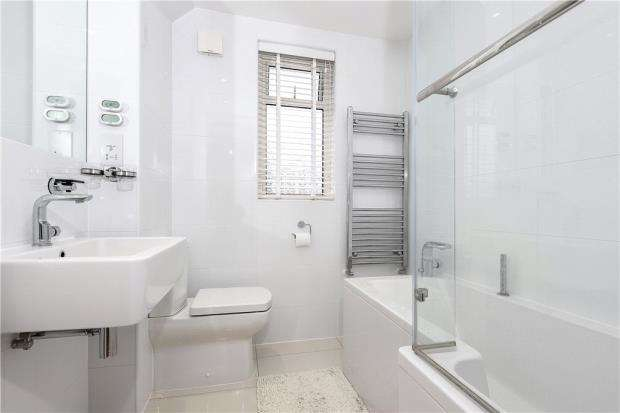 3 Bedrooms End Of Terrace House for sale in Albert Street, Windsor, Berkshire