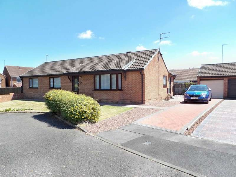 3 Bedrooms Bungalow for sale in Follingsby Drive, Wardley, Gateshead, Tyne and Wear, NE10 8YH