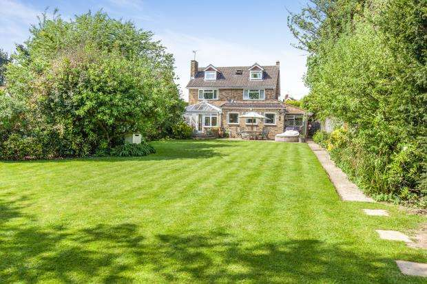 5 Bedrooms Detached House for sale in Maidenhead, Berkshire, United Kingdom