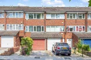 3 Bedrooms Terraced House for sale in John Street, London