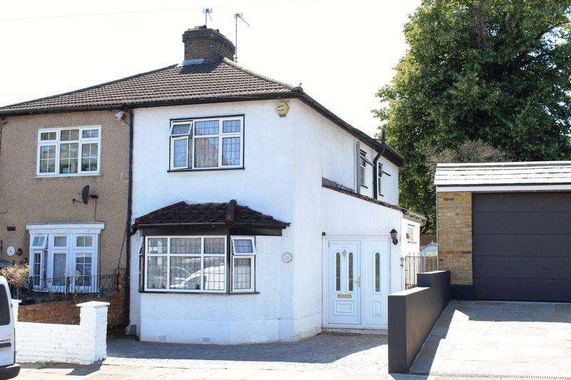 3 Bedrooms Semi Detached House for sale in Lion Road, Bexleyheath