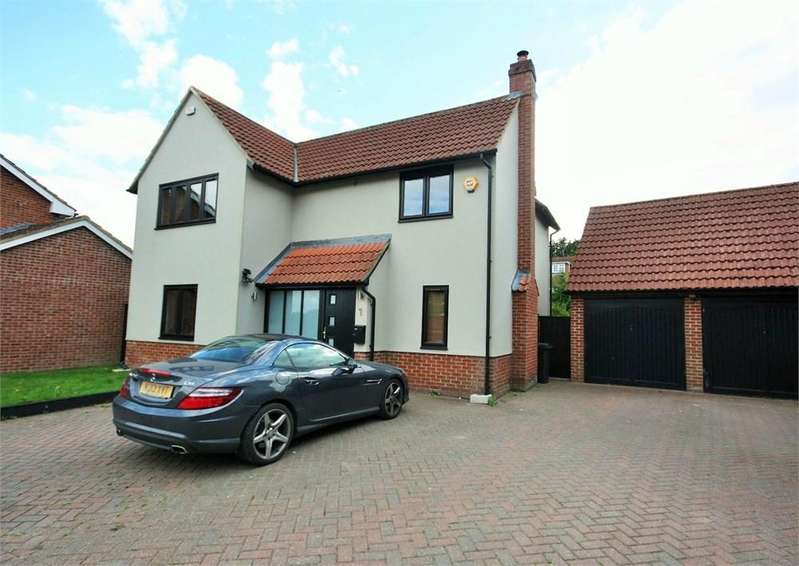 4 Bedrooms Detached House for sale in Aaron Place, Doddinghurst, Brentwood, CM15