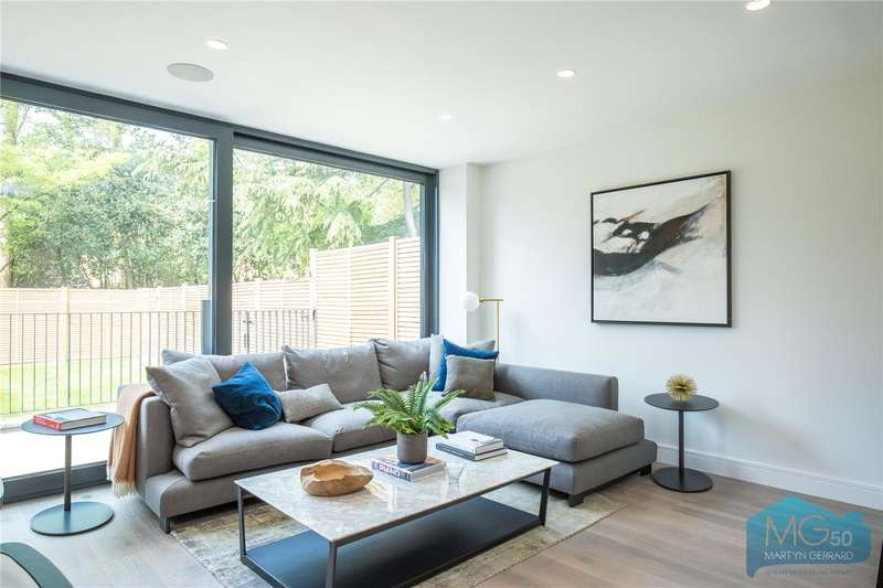 3 Bedrooms Apartment Flat for sale in Eastern Road, London, N2