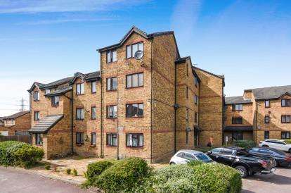 1 Bedroom Flat for sale in Grays, Essex, .