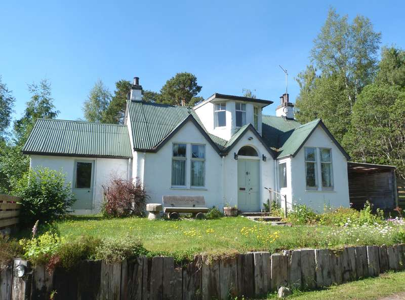 4 Bedrooms Cottage House for sale in Boat of Garten, PH24 3BE