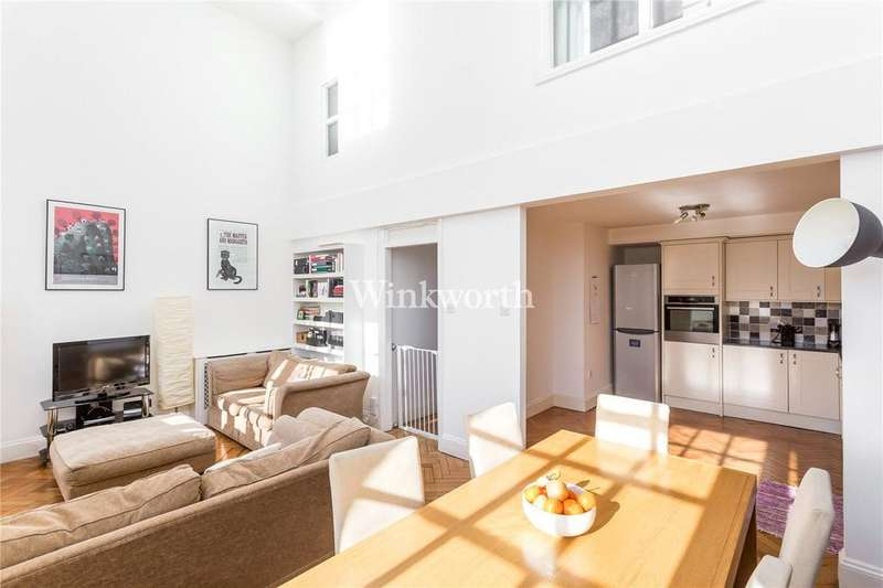 2 Bedrooms Flat for sale in Corrib Court, 49 Crothall Close, London, N13