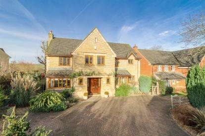 House for sale in Walnut Close, Bromham, Bedford, Bedfordshire