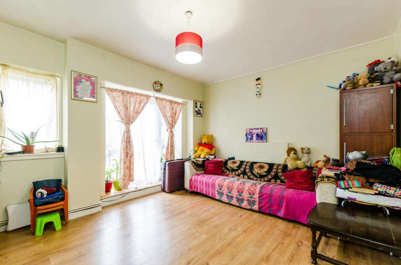 3 Bedrooms Flat for sale in Denmark Road, Camberwell, SE5