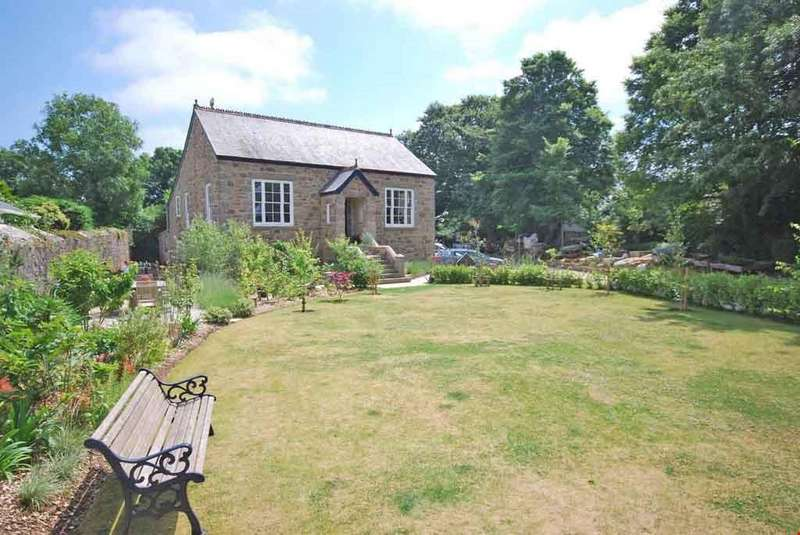 4 Bedrooms Detached House for sale in Camborne, Cornwall, TR14