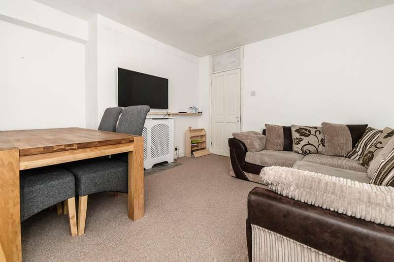 2 Bedrooms Flat for sale in Denmark Road, Camberwell, SE5